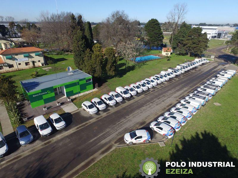 Polo Industrial Ezeiza Estacionamiento y Área de Servicios